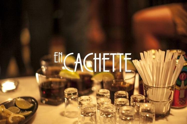 En Cachette